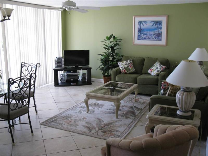 Gulf Front 2BR with leather furniture #314GV - Image 1 - Sarasota - rentals