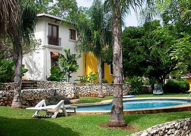 Pool area - Nice condo just a short walk to town and the beach-a/c, shared pool, internet - Tamarindo - rentals