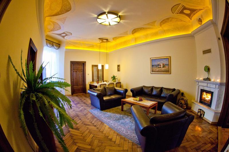 Apt Sara, same distance 5 min to main attractions - Image 1 - Krakow - rentals