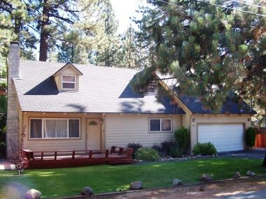 Spectacular remodeled home, 15min to Heavenly Ski - CYH1179 - Image 1 - South Lake Tahoe - rentals
