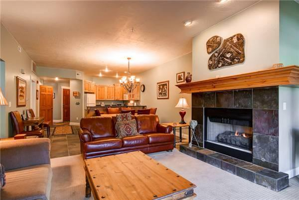 TOWN POINTE B302: Walk to Town Lift! - Image 1 - Park City - rentals
