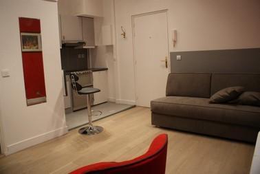 Cute Paris Studio Apartment for 3 - Image 1 - Paris - rentals