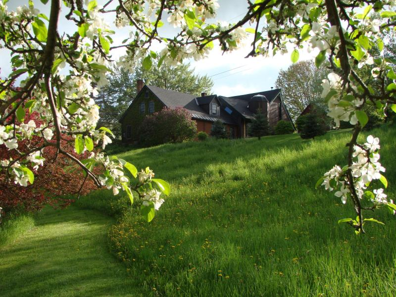 View of farmhouse and annexed barn - Blue Bird Hill Farmhouse, Great Views. Woodstock - Windsor - rentals