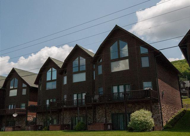 Exterior - Cedar Shores Villa #08 - McHenry - rentals