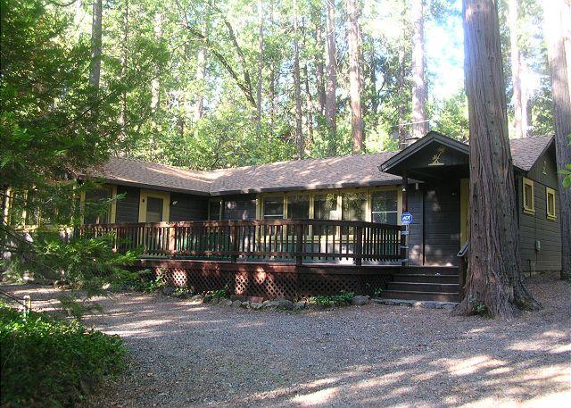 """Exterior - Charming """"Twain Harte Original"""" cabin- deck, kitchen, BBQ, handicap access - Twain Harte - rentals"""