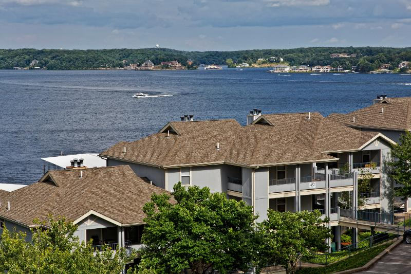 Condo is true lakefront in buiding shown and overlooking lake.  Condo is located on top floor. - Beautiful Regatta Bay Lakefront - Upscale - 3BB - Lake Ozark - rentals