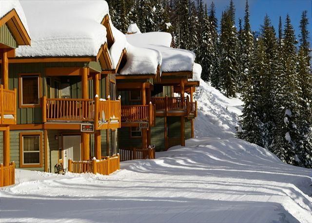 SKI ACCESS - Silver Tip 5 Upper Snowpine Location Sleeps 8 - Big White - rentals