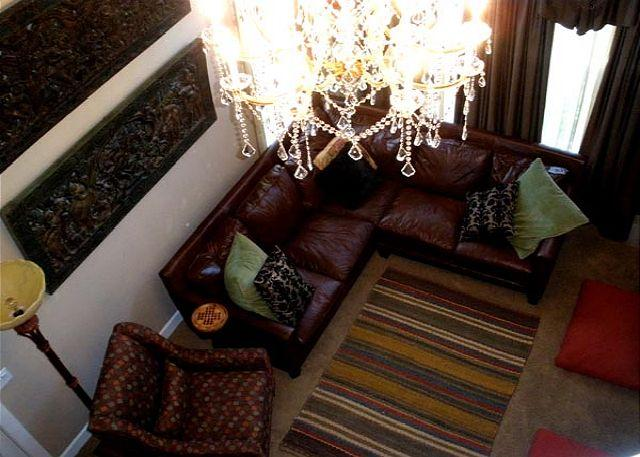 Living room. - On the Old MIll Bluff -  Zen of luxury & design in downtown Bend w/a hot tub! - Bend - rentals