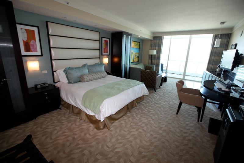 Fontainebleau Sorrento Oceanview JR SUITES & 1-BRS - Image 1 - Miami Beach - rentals