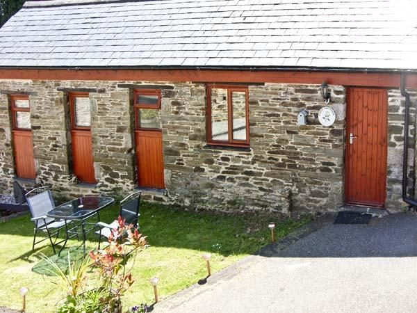 COSY COTTAGE, romantic, country holiday cottage, with a garden in Dobwalls, Ref 1734 - Image 1 - Dobwalls - rentals