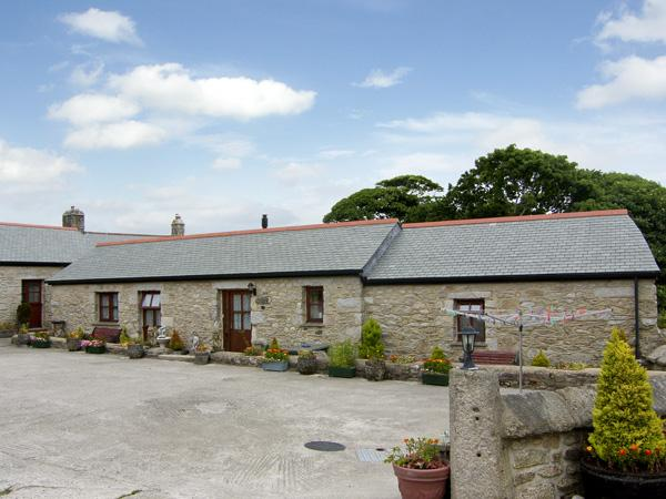 COW SHED COTTAGE, with a garden in Mabe Near Falmouth, Ref 1334 - Image 1 - Mabe - rentals