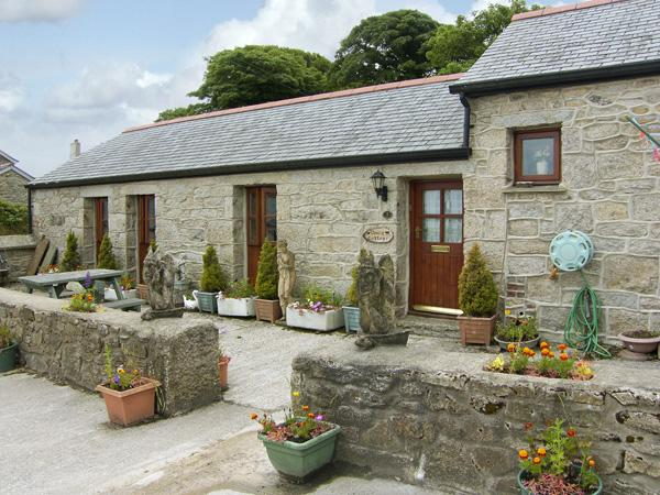 DAIRY COTTAGE, with a garden in Mabe Near Falmouth, Ref 1042 - Image 1 - Mabe - rentals