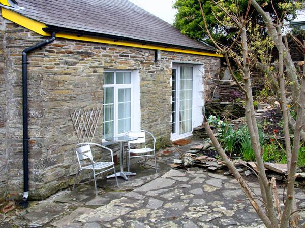 THE GARDEN APARTMENT, pet friendly, with a garden in Tintagel, Ref 2958 - Image 1 - Tintagel - rentals