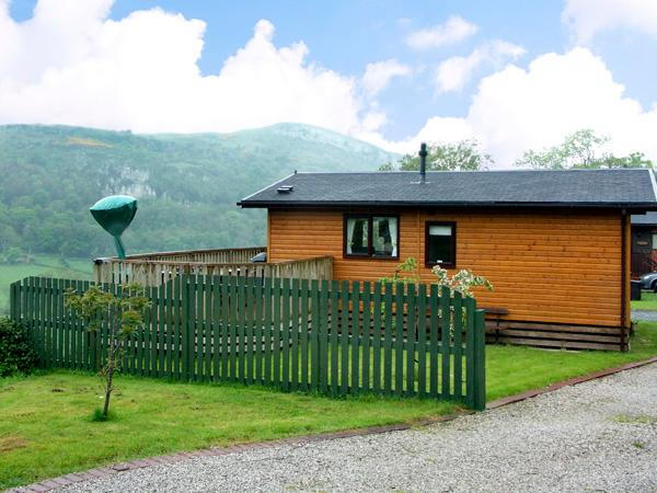 ALPINE LODGE, with WiFi and a garden in Rhyd-Y-Foel, Ref 1797 - Image 1 - Conwy County - rentals