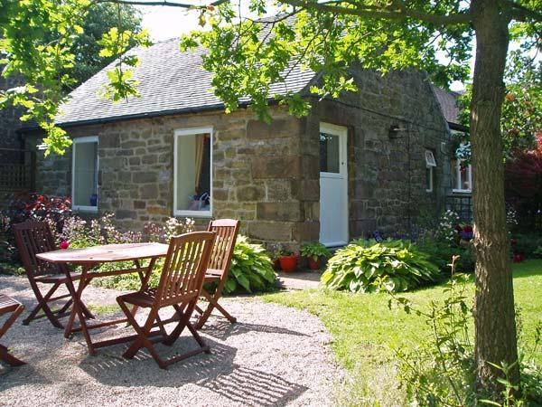 BARN CROFT COTTAGE, pet friendly, character holiday cottage, with a garden in Elton, Ref 878 - Image 1 - Elton - rentals
