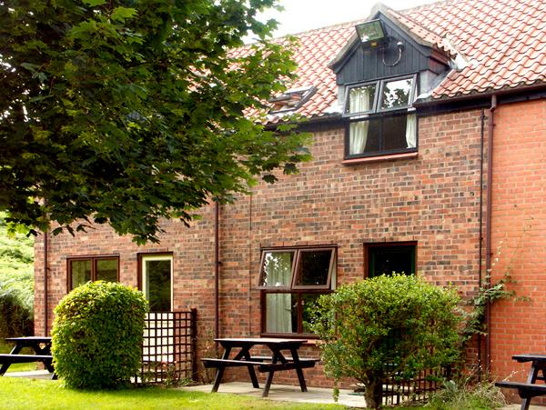 BIFFINS BERTH, pet friendly, with pool in Whitby, Ref 1837 - Image 1 - Whitby - rentals