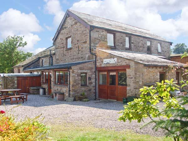 BRANT VIEW, character holiday cottage, with a garden in Sedbergh, Ref 1292 - Image 1 - Sedbergh - rentals