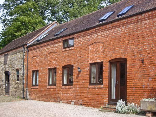 CORN HOUSE, pet friendly, luxury holiday cottage, with a garden in Cardington Near Church Stretton, Ref 1021 - Image 1 - Cardington - rentals