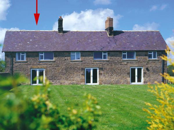 DOROTHY'S COTTAGE, family friendly, character holiday cottage, with a garden in Alnmouth, Ref 306 - Image 1 - Alnmouth - rentals