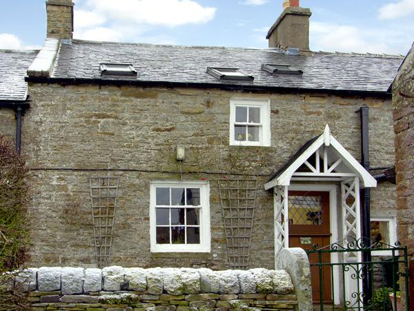 ENGLEWOOD COTTAGE, pet friendly, character holiday cottage, with a garden in Allenheads, Ref 291 - Image 1 - Allenheads - rentals