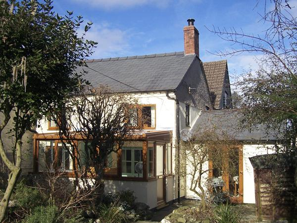 JESSAMINE COTTAGE, pet friendly, character holiday cottage, with a garden in Little Stretton, Ref 1673 - Image 1 - Little Stretton - rentals