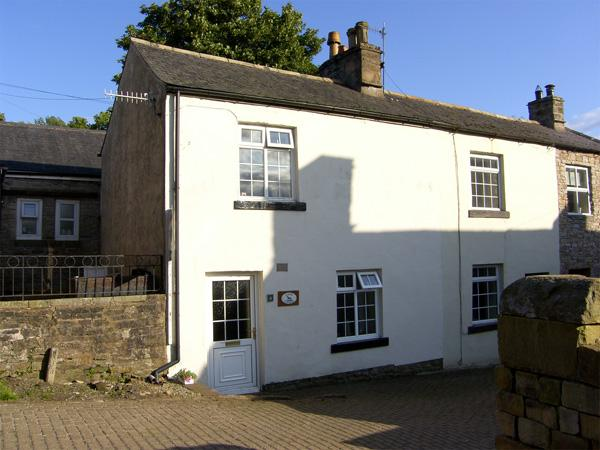 KINGS COTTAGE, pet friendly, character holiday cottage in Alston, Ref 3604 - Image 1 - Alston - rentals