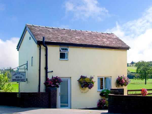 LILAC COTTAGE, romantic, country holiday cottage, with a garden in Clifton, Ref 2226 - Image 1 - Clifton - rentals