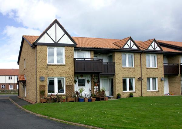DRIFTWOOD, pet friendly, with a garden in Beadnell, Ref 1400 - Image 1 - Beadnell - rentals