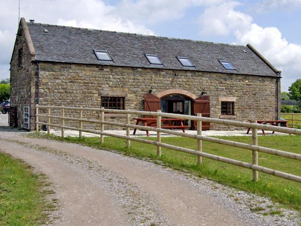BOTTOMHOUSE BARN, family friendly, luxury holiday cottage, with hot tub in Ipstones, Ref 2586 - Image 1 - Ipstones - rentals