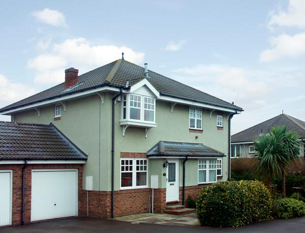 SIGNALS COURT, pet friendly, with a garden in Scarborough, Ref 1343 - Image 1 - Scarborough - rentals