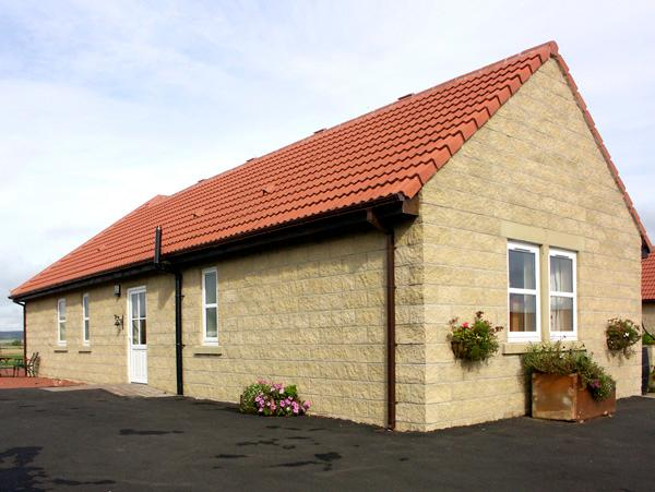CHARLOTTE'S STABLE, country holiday cottage in Longframlington Near Alnwick, Ref 1922 - Image 1 - Longframlington - rentals