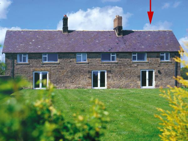 STEPHEN'S COTTAGE, family friendly, character holiday cottage, with a garden in Alnmouth, Ref 787 - Image 1 - Alnmouth - rentals