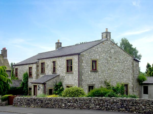 STONE END COTTAGE, pet-friendly, country holiday cottage, with a garden in Austwick, Ref 1804 - Image 1 - Austwick - rentals