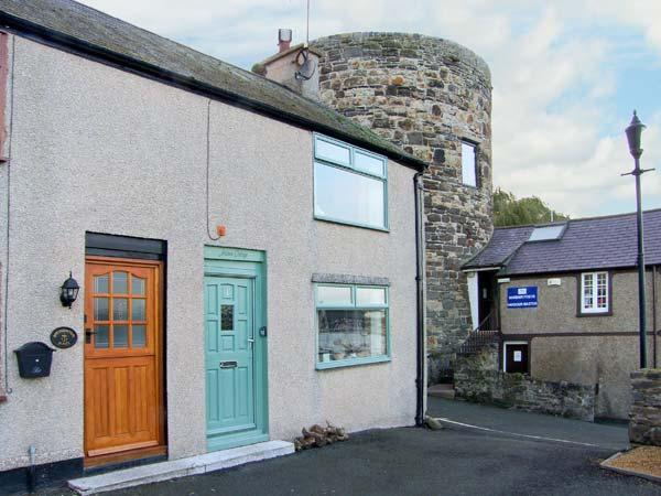JASMIN COTTAGE, pet friendly, luxury holiday cottage, with a garden in Conwy, Ref 2614 - Image 1 - Conwy County - rentals