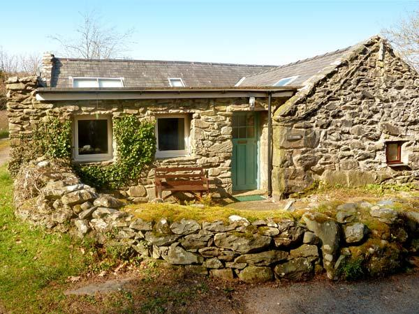 TY CERRIG, pet friendly, character holiday cottage, with a garden in Llanbedr, Ref 2955 - Image 1 - Llanbedr - rentals