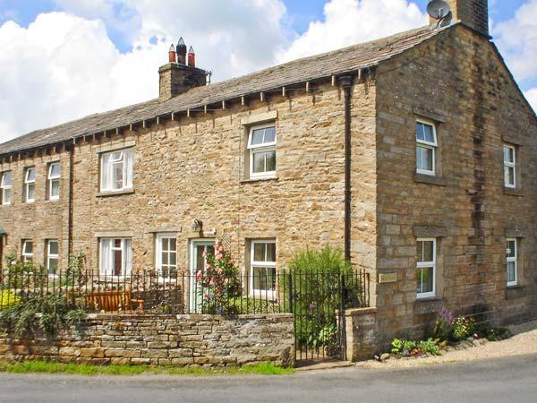 BILL'S PLACE, romantic, luxury holiday cottage, with open fire in Bainbridge, Ref 3631 - Image 1 - Bainbridge - rentals