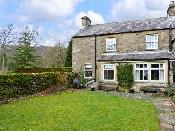LOCKS COTTAGE, family friendly, character holiday cottage, with a garden in Langcliffe, Ref 816 - Image 1 - Langcliffe - rentals