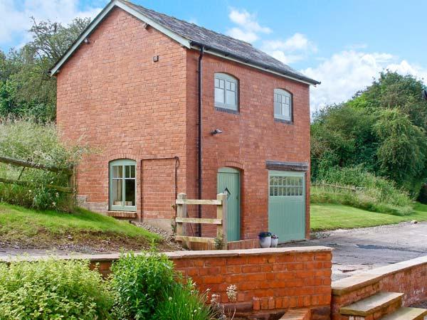 THE GRANARY, character holiday cottage, with a garden in Peterchurch, Ref 1946 - Image 1 - Peterchurch - rentals