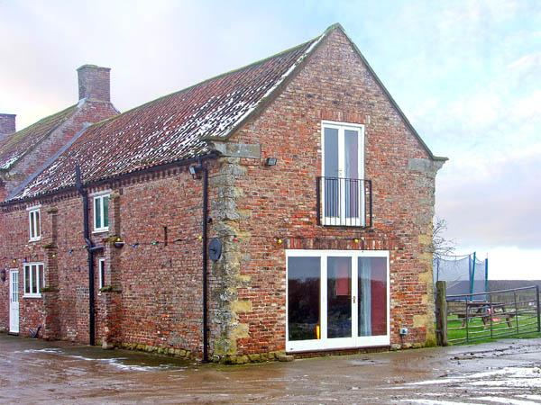 THE COTTAGE, family friendly, country holiday cottage, with a garden in Pickering, Ref 2885 - Image 1 - Pickering - rentals