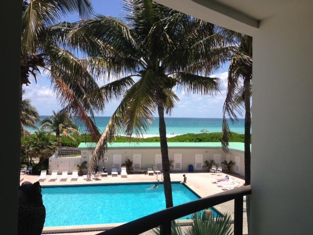 View from balcony - North Beach Townhouse9 - Miami Beach - rentals