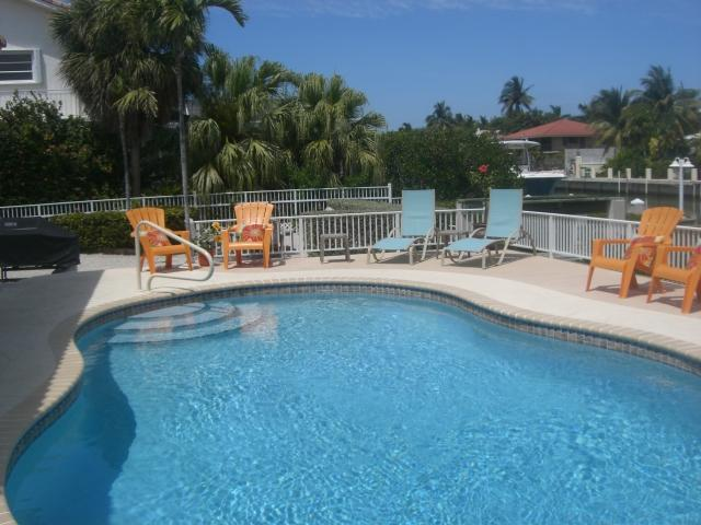 Relax in the Private Pool - Tropical Pool Home-May 2-9 Available - Call Now! - Key Colony Beach - rentals