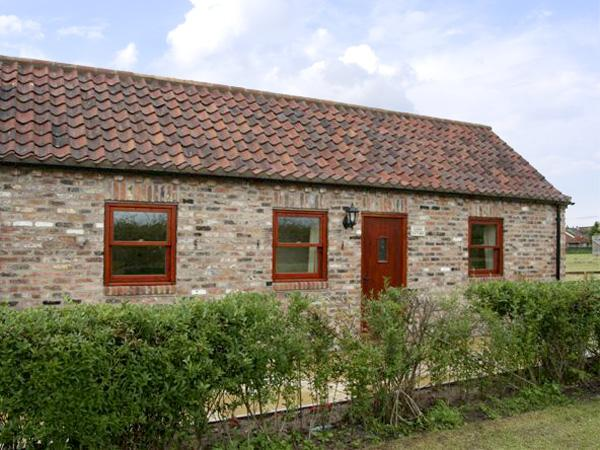 LODGE COTTAGE, romantic, country holiday cottage, with a garden in York, Ref 3584 - Image 1 - York - rentals