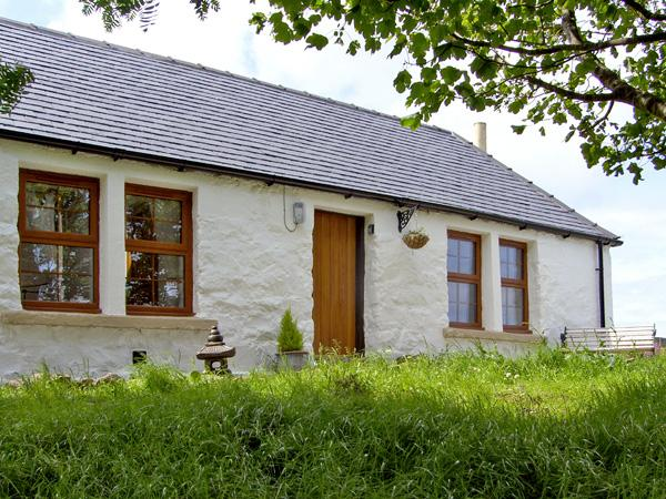 THE OLD COTTAGE, romantic, country holiday cottage, with open fire in Suladale, Isle Of Skye, Ref 2676 - Image 1 - Suladale - rentals