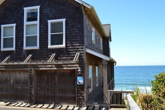 Waters Edge~ Ocean Front - Image 1 - Depoe Bay - rentals