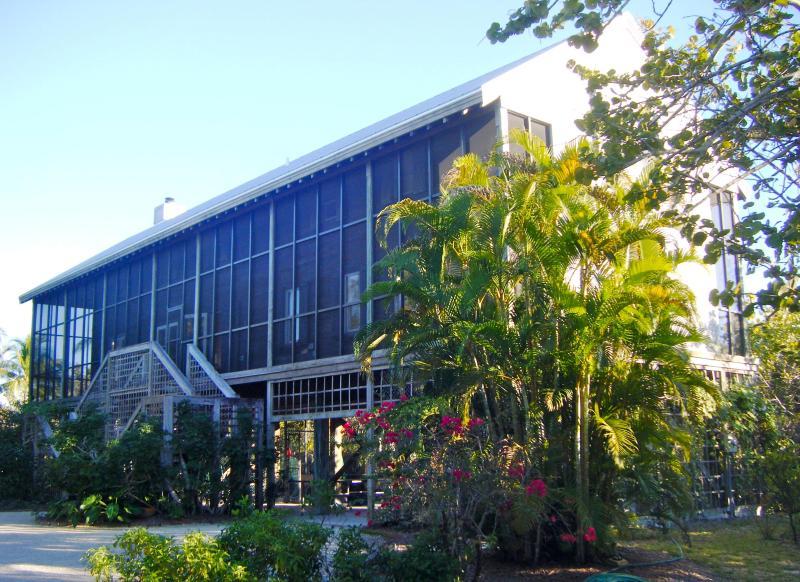 Approaching Bowman's Beach House - BOWMAN'S BEACH HOUSE, Sanibel Island, Florida - Sanibel Island - rentals