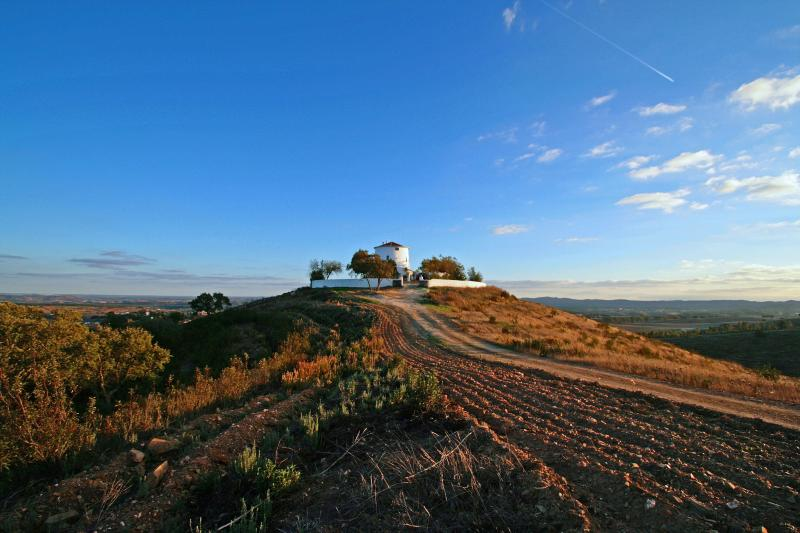 Mill on the Hill - Unique Hilltop Windmill - Ourique - rentals