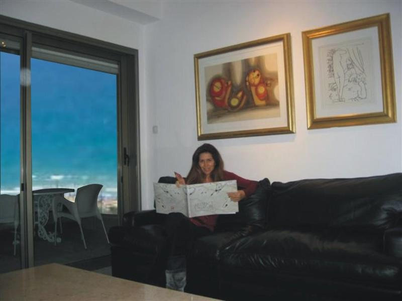Lounge - Luxury Seafront apartment on Poleg Beach Netanya - Netanya - rentals
