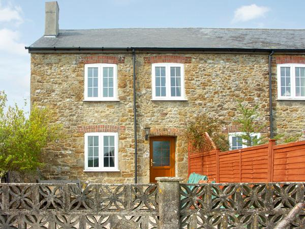 CRABBS BLUNTSHAY COTTAGE, pet friendly, character holiday cottage, with a garden in Shave Cross, Ref 1690 - Image 1 - Shave Cross - rentals