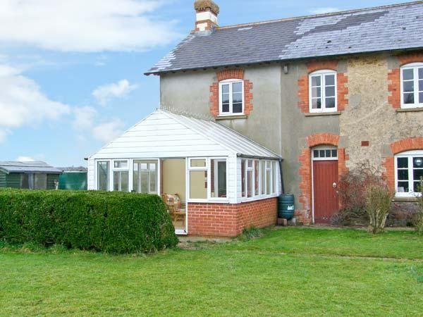 DOWNSIDE, pet friendly, country holiday cottage, with a garden in Mosterton, Ref 2896 - Image 1 - Mosterton - rentals