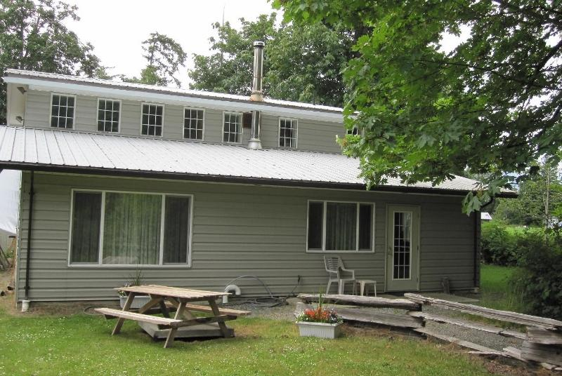 Level entry to the cottage - Kiwi Cove Cottage, private country setting - Ladysmith - rentals